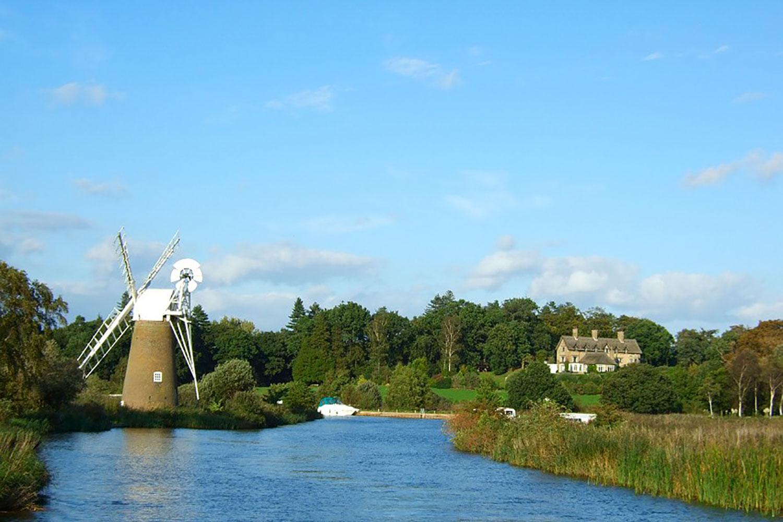 Norfolk-Broads-Windmill-Waters